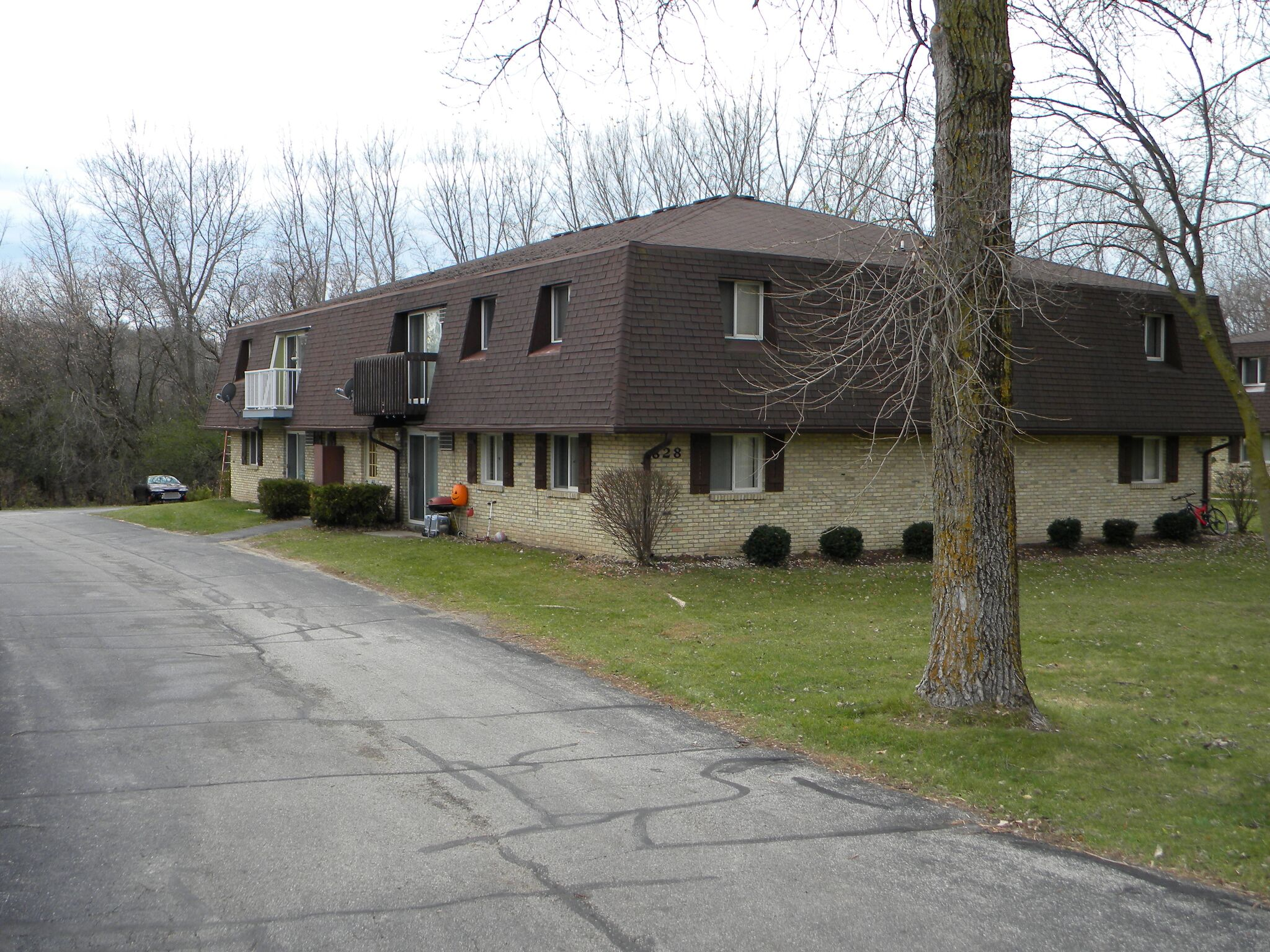 Encore Real Estate Brokerage- West Bend Apartments